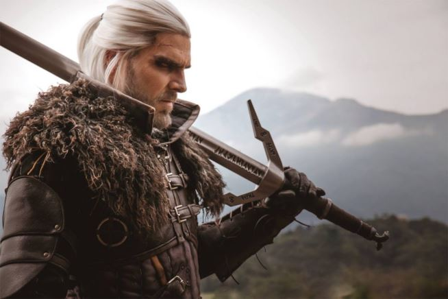 Monster Hunter: World. Oggi fa la sua comparsa Geralt di Rivia.